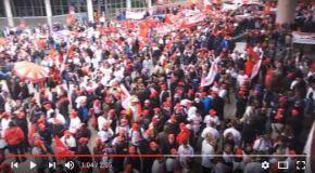 Protest bei Daimler. Mehr als 4000 Beschäftigte demonstrieren gegen Umbau der Niederlassungen.