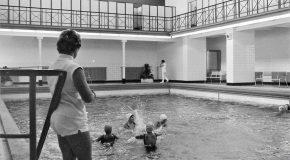 """Einladung zur nächsten """"Badrunde"""" im alten Stadtbad in der Neusser Straße"""