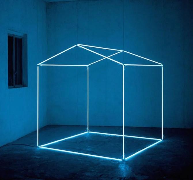 Minimal Light Installations By Massimo Uberti  iGNANTcom