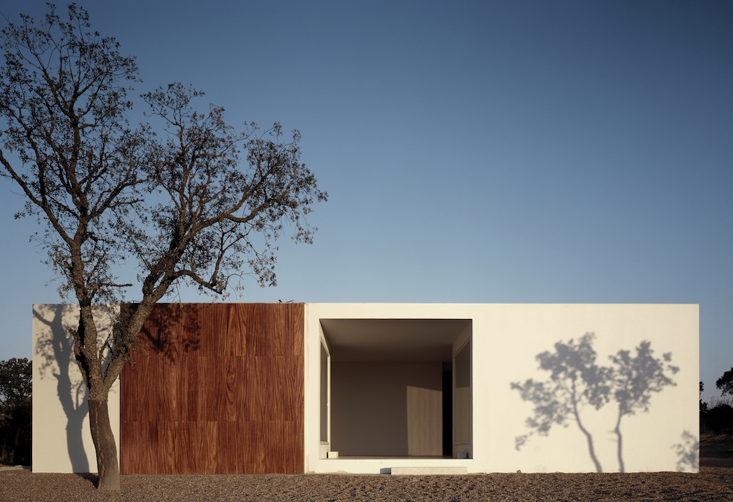 A Simple House In Portugal By Aires Mateus  iGNANTcom
