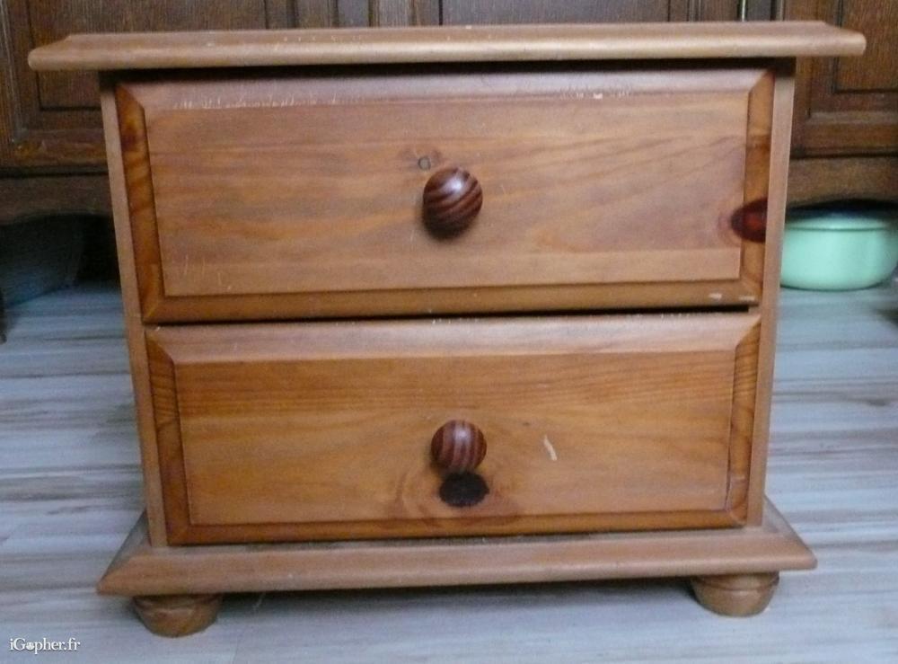 table de nuit 2 tiroirs en pin massif couleur miel