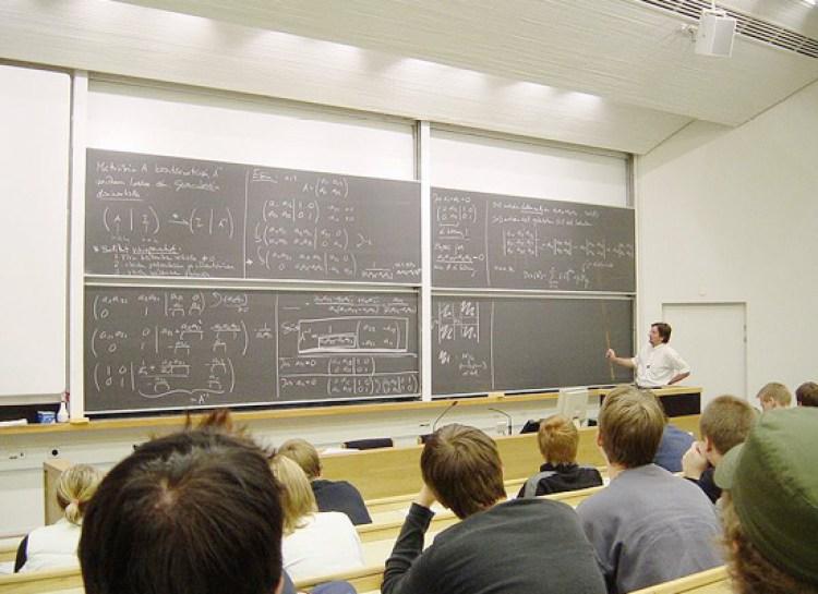 Обучение в университетах Финляндии ведется в основном на английском, финском и шведском. Из-за этого там учится очень много студентов из Китая.