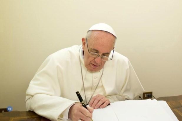 Papa Francisco rejeita Eutanásia e encarniçamento terapêutico