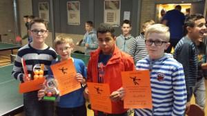 Foto 1: Die Teilnehmer des Halbfinales: Noah, der Turniersieger Ole, Louis und Finn.