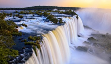 Iguazu falls in full moon