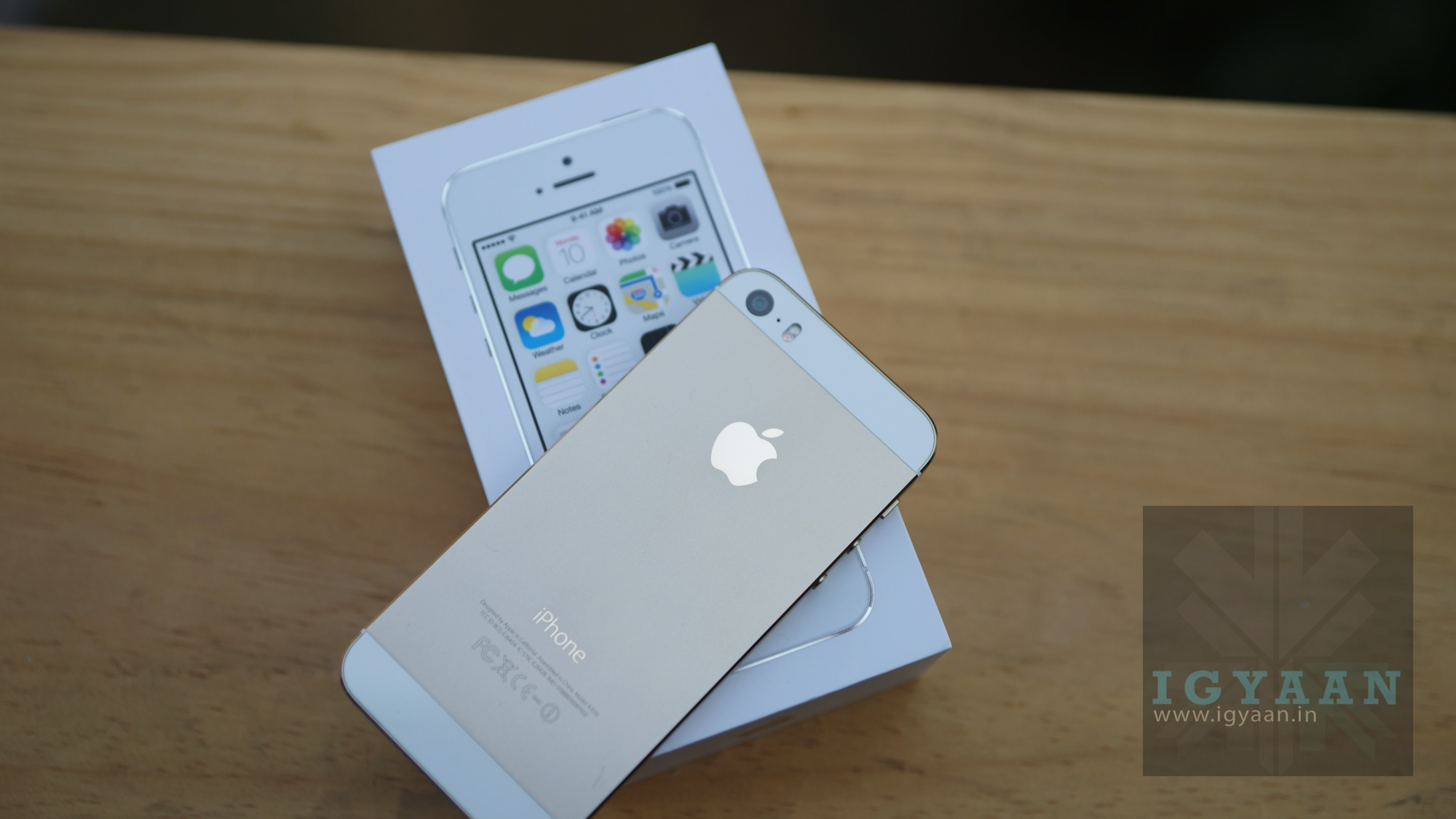 Apple iPhone 5s Unboxing and First Look | iGyaan Network