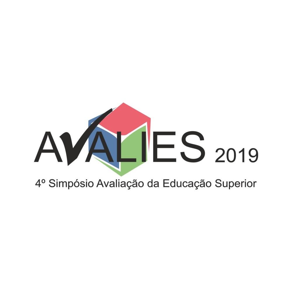 Prof. Naomar de Almeida Filho ministra Conferência de Encerramento da AVALIES 2019