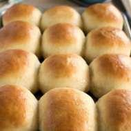 30 Minute Buttermilk Dinner Roll Recipe