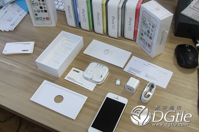 iPhone-5s-unboxing-image-001