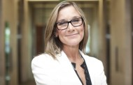 Apple has appointed CEO Burberry Angela Ahrendts as SVP of retail and online store