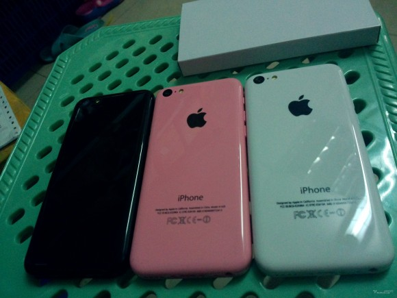 iPhone 5S and pink 5C