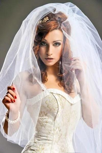 Schlichte Hochzeitsfrisuren