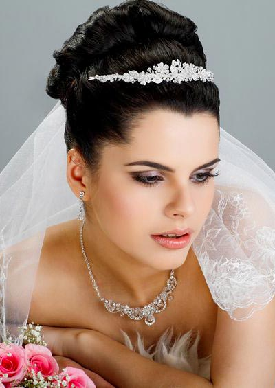 Schleier und Diadem  Haarschmuck fr Braut und Hochzeit