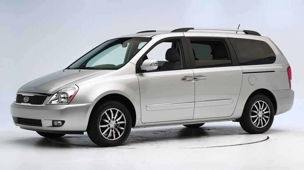 medium resolution of 2014 kia sedona minivan