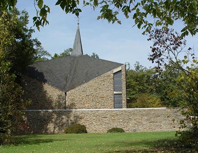 Verkauf ehemaliges Kloster in der Eifel Sddeutschland  Rheinland  Pfalz  nahe Flugplatz