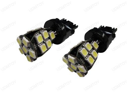 Error Free 3156 LED Bulbs for BMW or Mercedes-Benz Front Turn Signal Lights