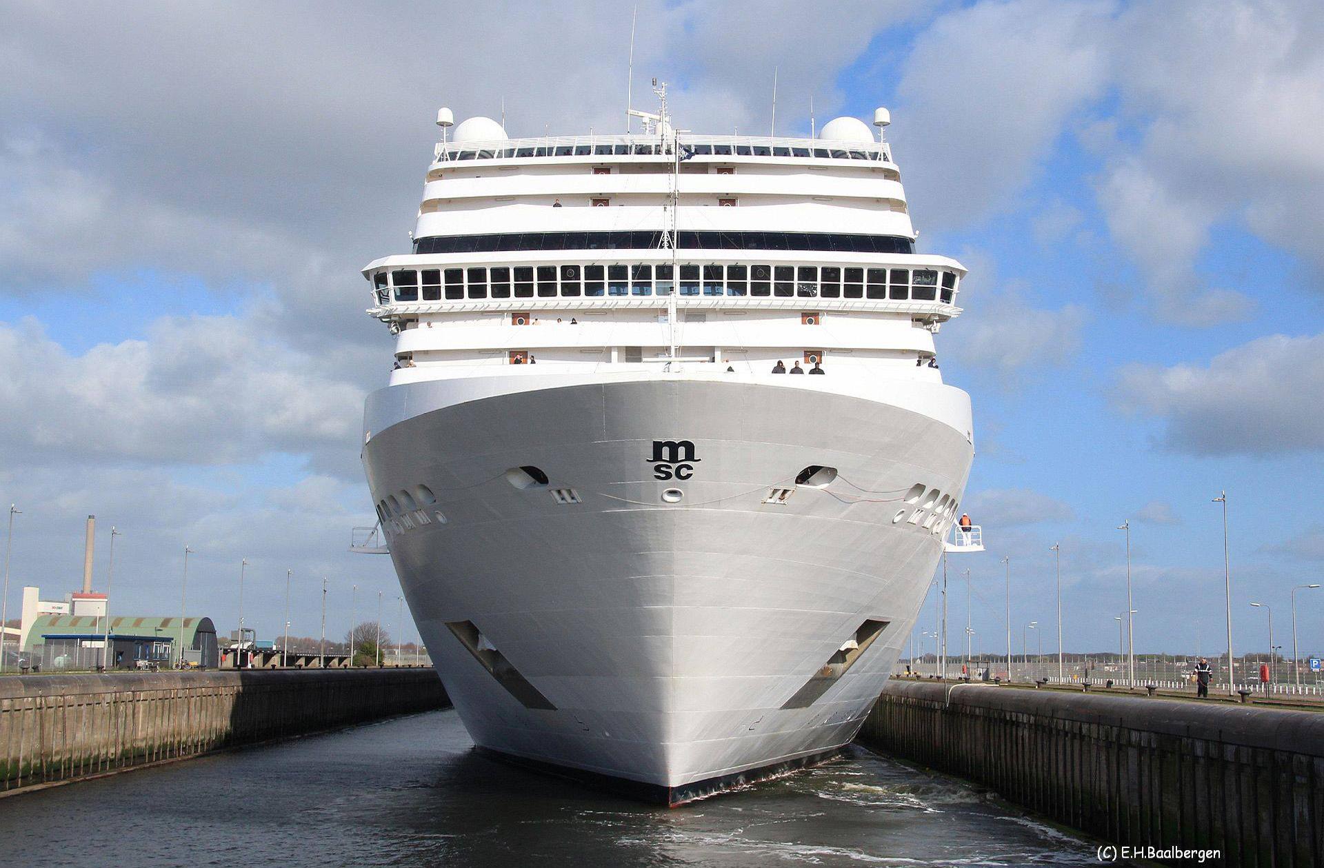 Zeesluis Cruise schepen