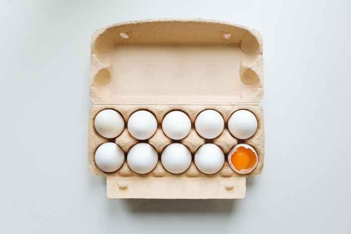 photo of white eggs on tray