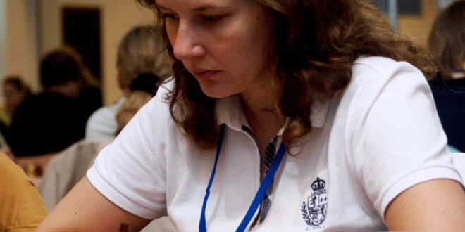 Η πρώην υπουργός της Λετονίας έρχεται για σκάκι στον «Ίκαρο ...