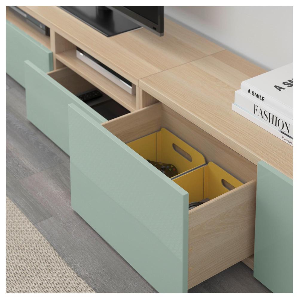 besta meuble tv une combinaison un chene blanchi selsviken lumiere brillant gris vert guidant le tiroir doucement fermer