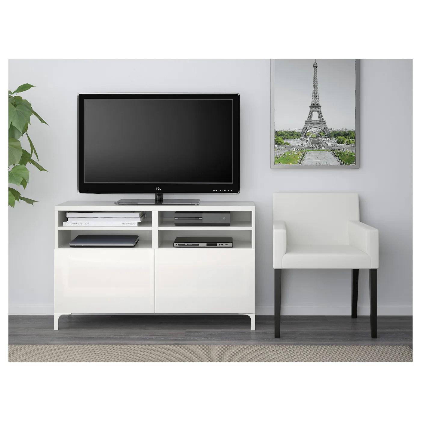 besta tv bank mit turen weiss selsviken nannarp hochglanz weiss 120x42x74 cm