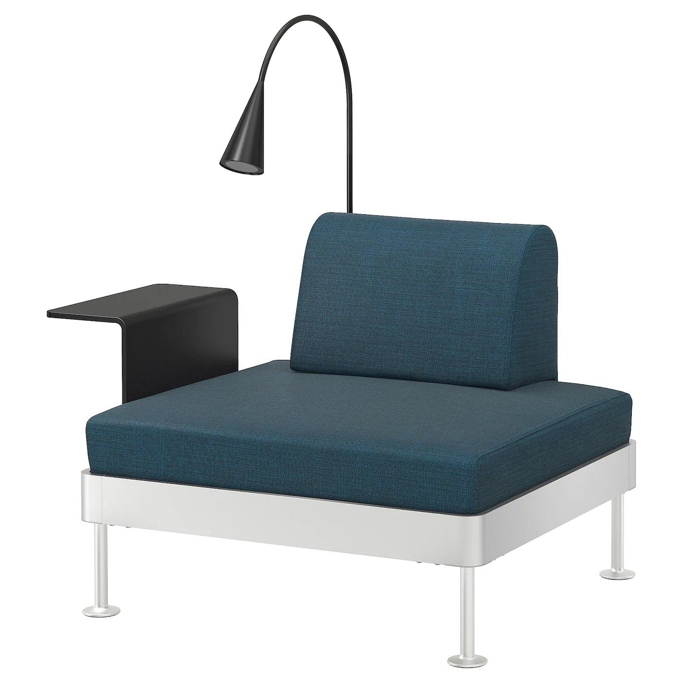 delaktig fauteuil av table d app et lampe hillared bleu fonce