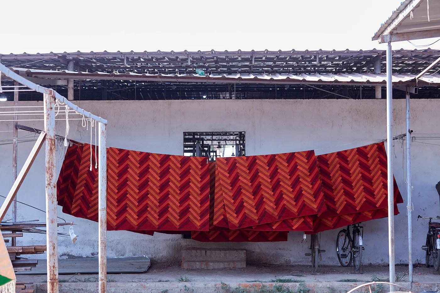 stockholm 2017 tapis tisse a plat fait main motif en zigzag orange 170x240 cm