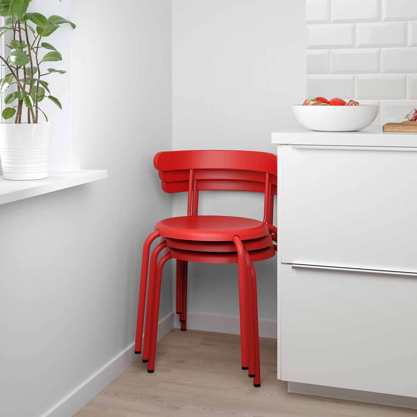 yngvar chaise rouge