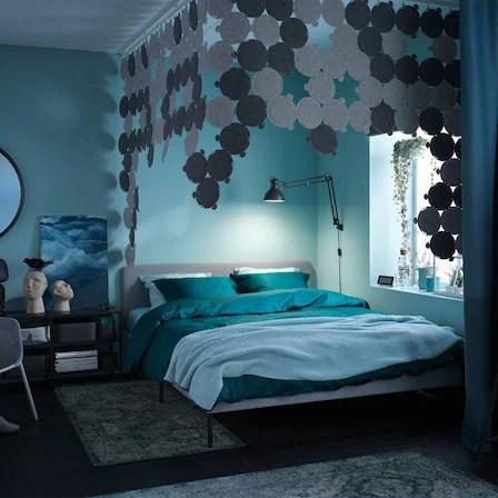Comodini, letti, guardaroba, specchi e tanti accessori. Una Camera Da Letto In Blu Ikea Svizzera