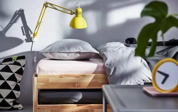 Camera da letto completa 5 pezzi. Arredare Una Camera Da Letto Piccola Ma Flessibile Ikea It