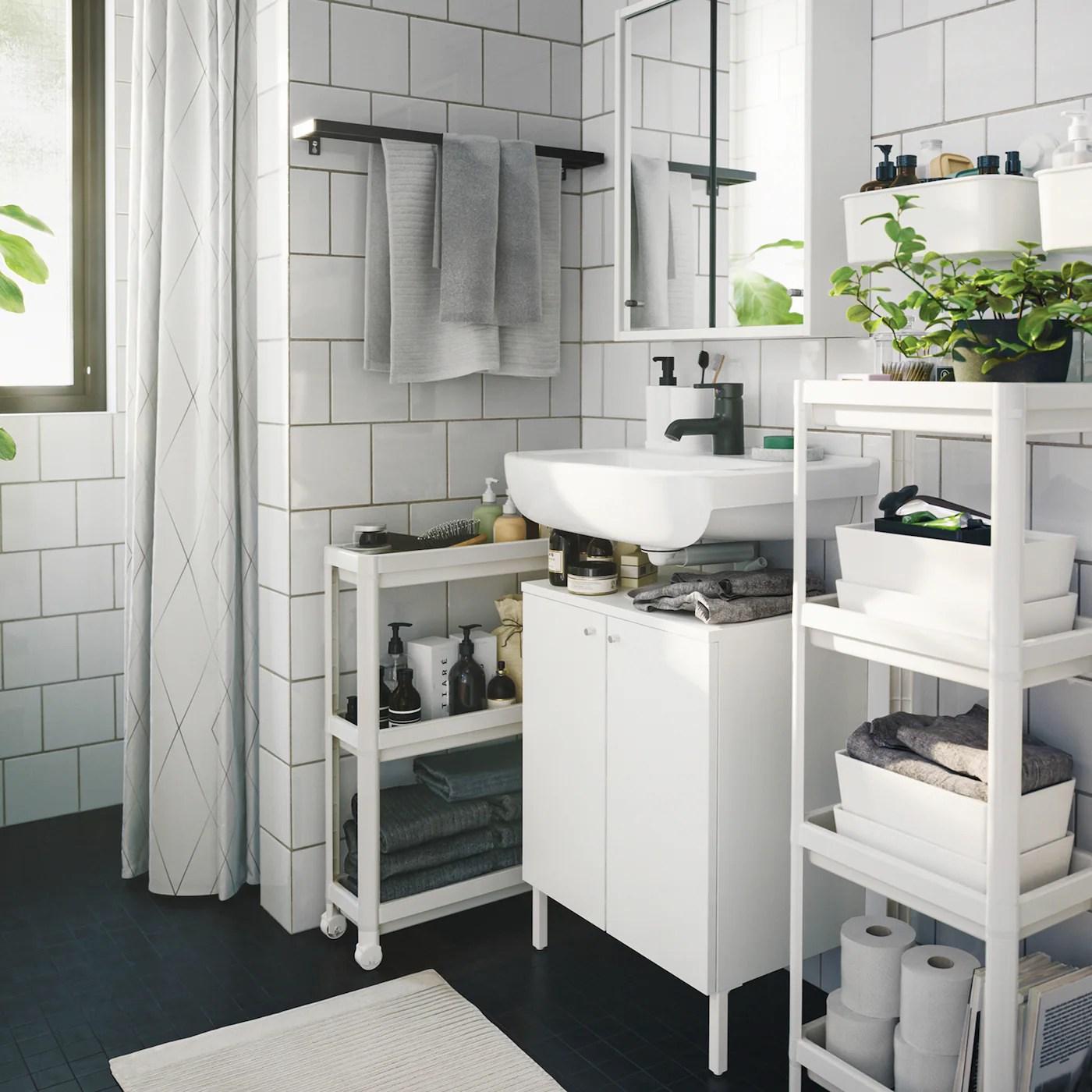 Mobile bagno lilium da 65 cm con due ante in noce o decapè bianco o azzurro lavabo in ceramica. Arredamento Per Il Bagno Idee E Soluzioni Ikea It