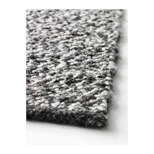 BASNÄS Matta, slätvävd IKEA Den tåliga, smutsavvisande ytan av ull gör att den här mattan passar perfekt i ditt vardagsrum eller under ditt matbord.