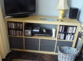 Easy (really easy) way to change Expedit Shelving into a media centre