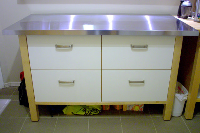 ikea kitchen counter trashcans varde island with stainless vika hyttan desktop hack ...