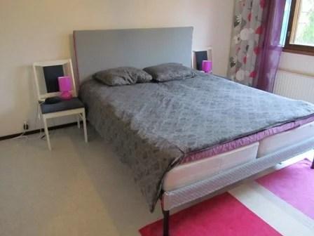 Stunning Noresund bed goes modern