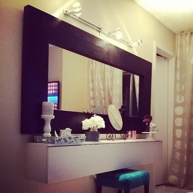 wall mounted makeup vanity