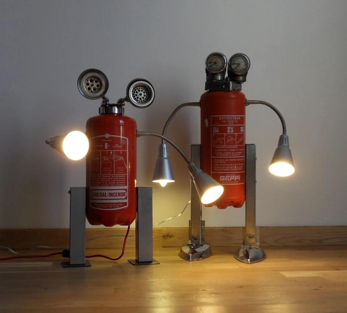kvart robot lamp