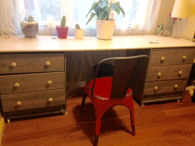 Rast dresser desk