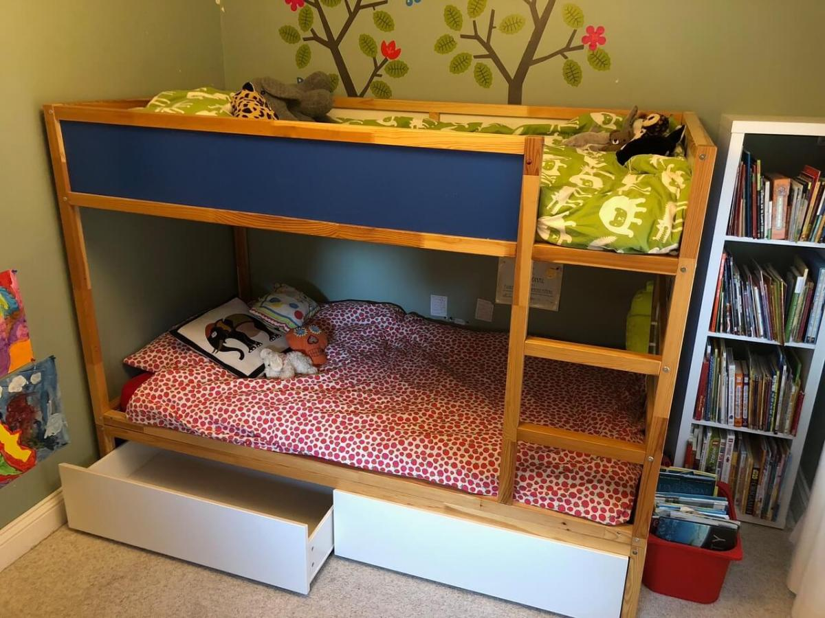 hacking the kura into a bunk bed with storage ikea hackers. Black Bedroom Furniture Sets. Home Design Ideas