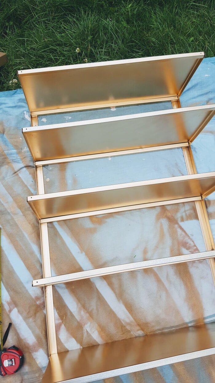 Shoe display rack: A HYLLIS hack