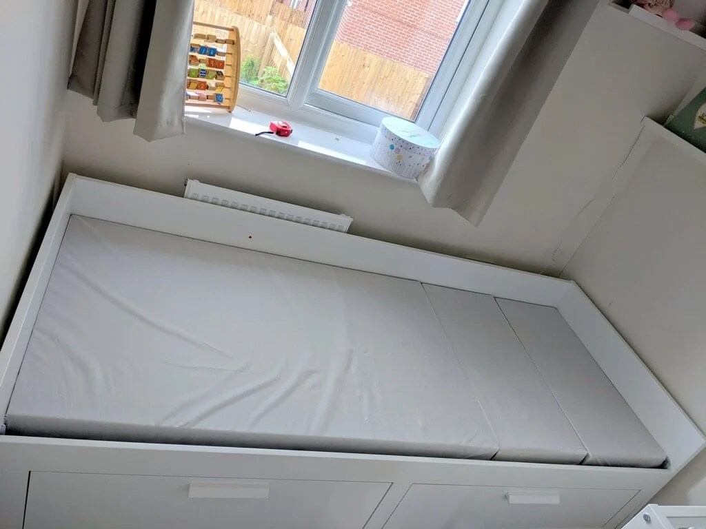 ikea cotbed hack - IKEA BRIMNES daybed