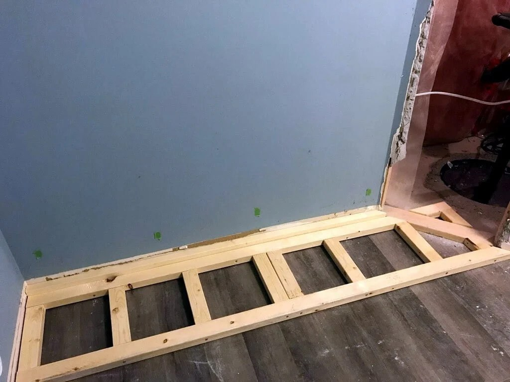 Platform for PAX wardrobe built into the wall