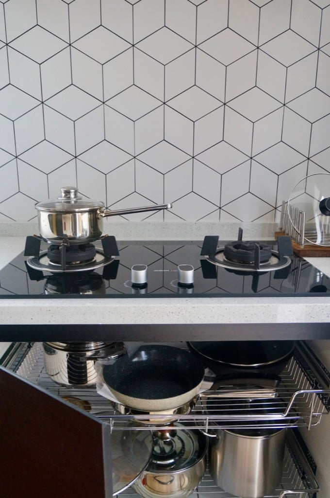 hob cabinet with pull out racks