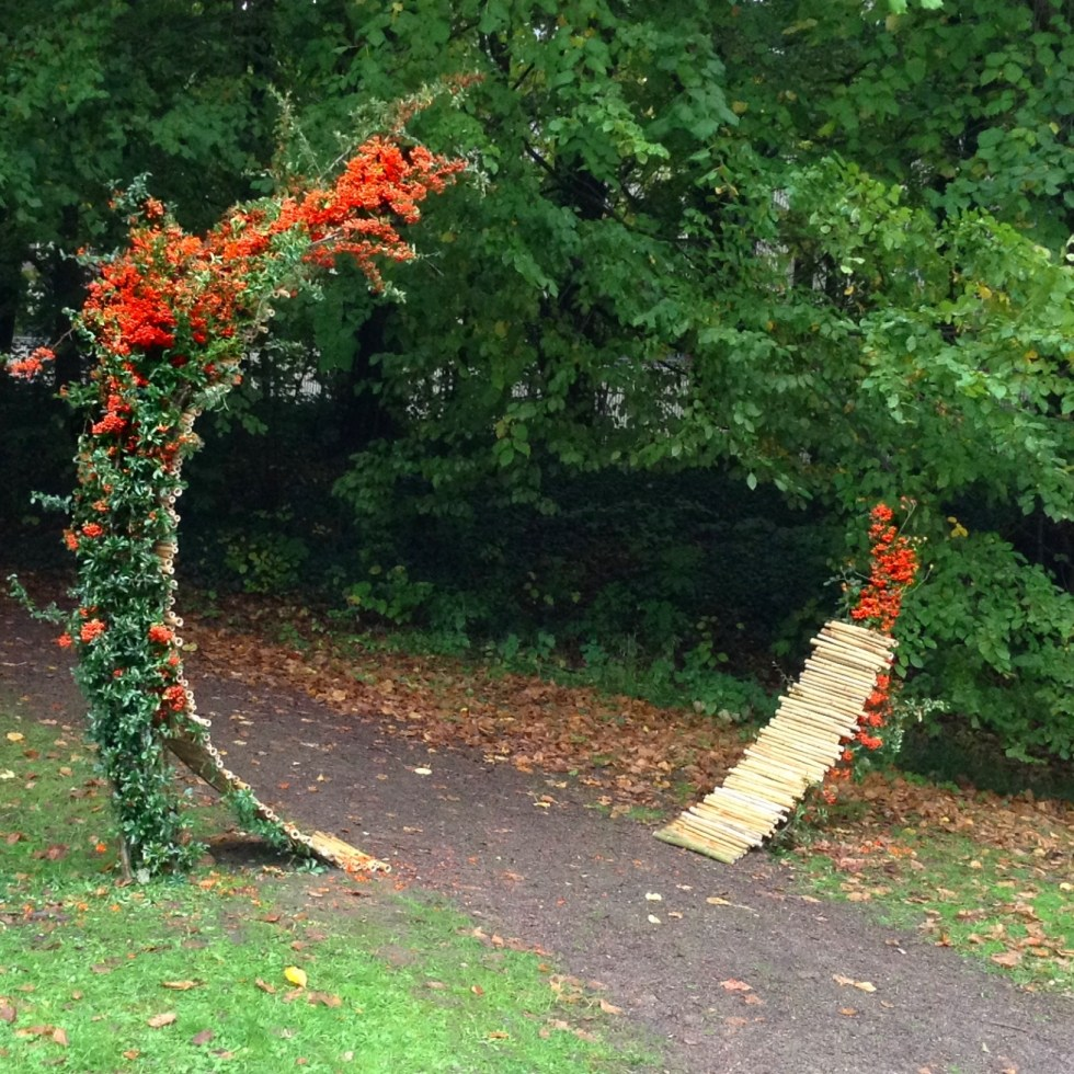 Ikebana Land Art installation bamboo Zen Gate exhibition in Belgian Mational Botanical Garden in Meise 2015 by Ekaterina Seehaus ikebanaPRO.com