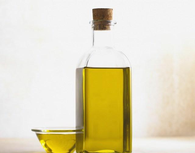 Paano gumawa ng Mosquito repellent oil