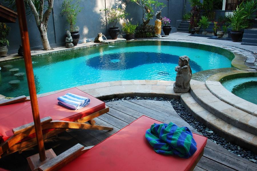 Outdoor and Landscape  IKLO Custom Home Builders