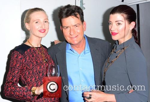 Tamara Orlova-Alvarez, Charlie Sheen, Marie Louise Smith at the Lelo Hex launch party © Joe Alvarez