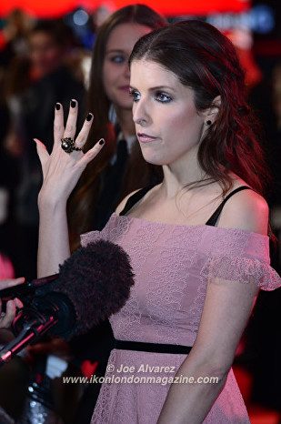 Anna Kendrick The Accountant Premiere in London © Joe Alvarez