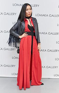 Aliia Roza at Olga Lomaka Gallery opening