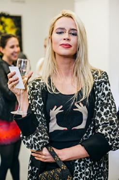 Olivia Arben at Olga Lomaka Gallery opening
